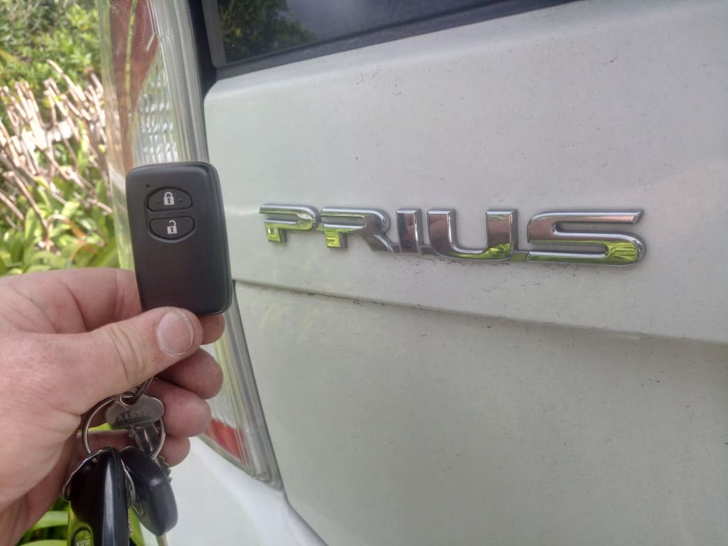 how to remote start prius